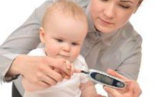 Норма сахара в крови у детей: изменения по возрасту, признаки повышенного у ребенка, натощак и с нагрузкой