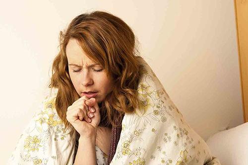 Может ли быть кашель при щитовидке: симптомы, причины, лечение, как распознать