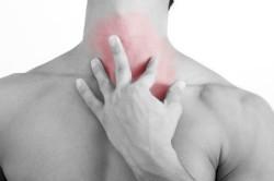 Послеоперационый период после удаления щитовидной железы: реабилитация, восстановление голоса, избавление от отека на шее