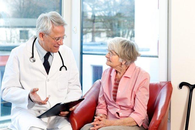 Остеопороз у пожилых: почему возникает у женщин и мужчин, как проходит лечение, профилактика, зачем сестринский уход