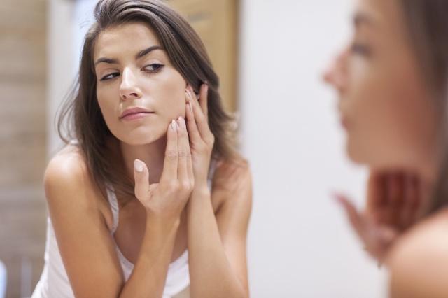 Гормональный сбой у мужчин: бывает ли, причины, признаки и симптомы - сыпь, прыщи, почему сбой фона после антибиотиков, как восстановить, какой врач лечит, витамины