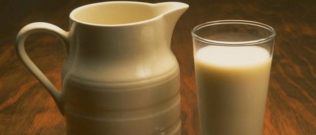 Ряженка при панкреатите: можно ли пить? (польза и вред)