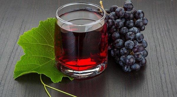 Виноград при панкреатите: можно ли есть и какие последствия?