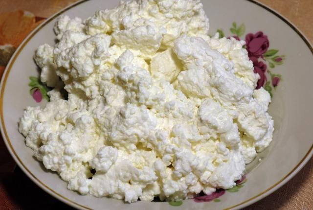 Творог при панкреатите (рецепты запеканки и сырников)